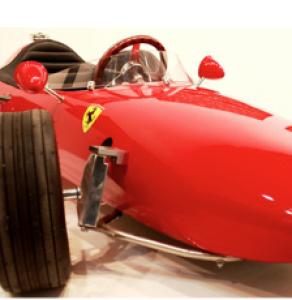 Modello Ferrari © Adriano Castelli